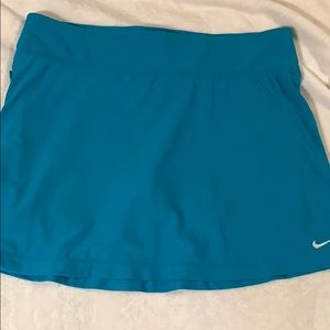 Nike Fit Dry skort size small turquoise